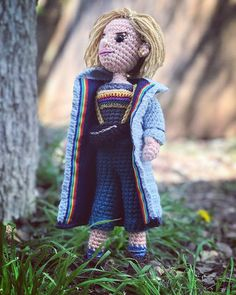 The question is: does she keep the sonic screwdriver in her fanny pack? Pattern now up on @etsy @ravelry #linkinbio  #doctorwho #thirteenthdoctor #jodiewhittaker #thirteen #thispatternis17pageslong #detailsmatter