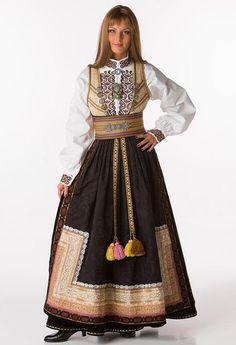 Bilde Norwegian Clothing, Costume Ethnique, Folk Costume, Traditional Dresses, Costume Design, Scandinavian, Folklore, Culture, Inspiration