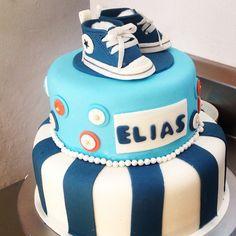 Converse for Elias! #fondant #converse #cakeboxgdl