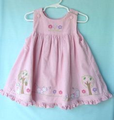 Baby Dress Design, Baby Girl Dress Patterns, Baby Clothes Patterns, Kids Frocks Design, Baby Frocks Designs, Frocks For Girls, Little Girl Dresses, Cute Outfits For Kids, Toddler Outfits