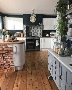 Home Interior Layout .Home Interior Layout Summer Kitchen, New Kitchen, Kitchen Decor, Kitchen Tiles, Cozy Kitchen, Rustic Kitchen, Kitchen Cabinets, Decor Interior Design, Interior Decorating