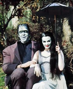 Fred Gwynne as Herman Munster and Yvonne De Carlo as Lily Munster