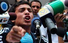 Madre de Lorent Saleh denunció que su hijo fue esposado y golpeado en La Tumba