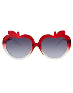 Shoulda purch'd these as well, but I'm not about to spend more than 5 or 10 bux on a pair of sunglasses. Sunglasses!