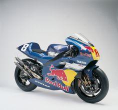 YAMAHA YZR500 2002