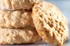 cookies de aveia com banana Sweet Recipes, Vegan Recipes, Good Food, Yummy Food, Mini Cakes, Biscuits, No Bake Cake, Cookie Recipes, Food And Drink