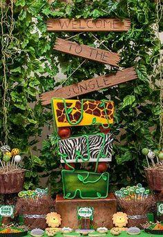 Deluze Safari Set the Stage Kit Deco Jungle, Jungle Safari, Jungle Theme, Safari Theme Birthday, Safari Party, Birthday Party Themes, Jungle Book Party, Jungle Decorations, Welcome To The Jungle