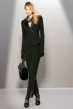 Giorgio Armani - Armani Prive - 2009 Fall-Winter | Women in suits