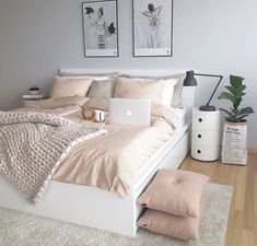 50 pink bedroom decor that you can try rosa Schlafzimmer Dekor, das Sie selbst. Pink Bedroom Decor, Dream Bedroom, Home Bedroom, Pastel Bedroom, Bedroom Themes, Bedroom Goals, Bedroom Yellow, Room Color Ideas Bedroom, Bedding Decor