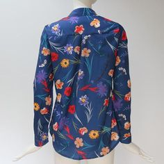 Size Bust Sleeve Length Length cm inch cm inch cm inch S 94 60 68 M 98 61 69 L 102 62 70 XL Blouse Outfit, Collar Blouse, Shirt Patterns For Women, Blouse Models, Casual Skirt Outfits, Blouses For Women, Ladies Blouses, Collar Styles, Floral Blouse