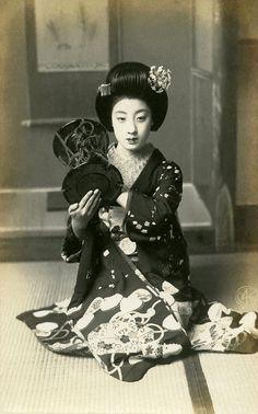 Tomigiku - Geisha. Japan. Circa 1910-1920.