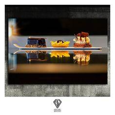 Picture from press report by Js Batailler - Pâtisseries & Compagnie Magazine Institut Paul Bocuse Lyon Bellecour 2015.  #arkaneworkshop #awaa #hotels #food #foodesign #foodporn #bakery #instafood #instarkane #foodinspiration #coursdecuisine #dessert #paulbocuse #bocuse #patisserie #foodphotography #foodoftheday #pineapple #chocolate #desserts #photoftheday #gateau #imageoftheday #lyon #luxe #institutbocuse