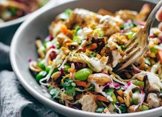 What Exactly Are The Key Benefits Of Having A Salad Everyday? Drink Recipe Book, Healthy Recepies, Vegan Recipes, Grilling Gifts, Steak And Eggs, Grilled Meat, Food Videos, Pasta Salad, Good Food