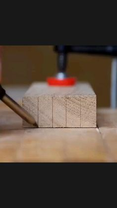 Woodworking Ideas Table, Woodworking Garage, Woodworking Techniques, Easy Woodworking Projects, Barn Wood Decor, Barn Wood Projects, Diy Kitchen Storage Cabinet, Woodworking Education, Wood Joints