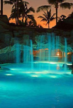 amazing swimming pool wish I could have one of this!!! <3