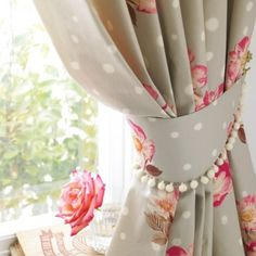 9 Good Clever Hacks: Red Curtains How To Make curtains for sliding patio door lamps.Red Curtains Wallpaper hanging curtains with tie backs. Navy Curtains, Vintage Curtains, Boho Curtains, Drop Cloth Curtains, Burlap Curtains, Floral Curtains, Hanging Curtains, Curtains With Blinds, Window Curtains