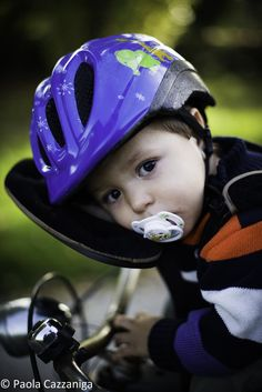 seggiolino bici anteriore poggia testa - Cerca con Google Bicycle Helmet, Hats, Google, Hat, Cycling Helmet, Hipster Hat
