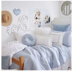 College Bedroom Decor, Cute Bedroom Decor, Room Ideas Bedroom, Girls Bedroom Decorating, Dorm Rooms, Baby Blue Bedrooms, Blue Bedroom Ideas For Girls, Blue Teen Girl Bedroom, Blue Girls Rooms