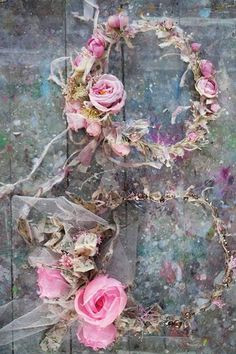 beautiful flowercrowns made by Laurence Amelie (silk flowers) Dried Flowers, Silk Flowers, Fabric Flowers, Laurence Amelie, Estilo Shabby Chic, Deco Floral, Floral Design, Silk Flower Arrangements, Rose Cottage