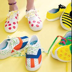 Painting kids tennis shoes...:)