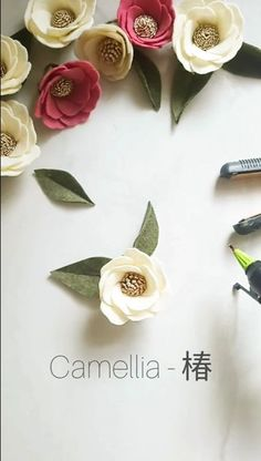 This super useful rose tutorial will definitely complete your decorations! This super useful rose tutorial will definitely complete your decorations! Felt Crafts Diy, Diy Crafts Hacks, Diy Crafts For Gifts, Kids Crafts, Paper Crafts, Fabric Crafts, Wood Crafts, Paper Flowers Craft, Flower Crafts