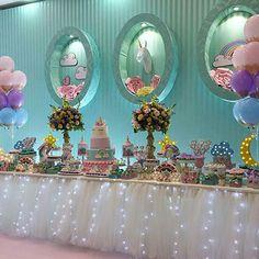 Somos especializados em Decoração de Festa para você se inspirar e deixar seus convidados maravilhados. E uma Loja cheia de artigos de festas e presentes.