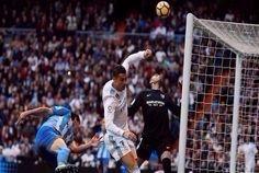 حقق نادي ريال مدريد، فوزاً صعباً على ضيفه ملقا 3-2، ضمن منافسات الجولة 13 من الدوري الإسباني لكرة القدم.