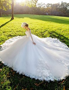 Ball+Gown+Wedding+Dress+-+White+Court+Train+Off-the-shoulder+Lace+–+GBP+£+182.49