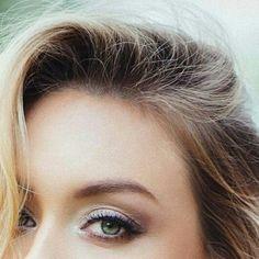 Reposting @ale.bitar: SPRING BREEZE Modelo @jl_canadianheart Fotografía @gregorio.fernandez.pozo Maquillaje @ale.bitar #makeupbyalebitar . . . . . . . . . . #maquillajeprofesional #maquilladora #makeup #makeupartist #maquillaje #sesiondefotos #shooting #fotografia #naturalmakeup #ahumado #modelo