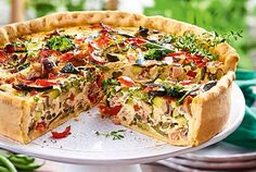 "Gemüsequiche ""Quer durchs Beet"" Our popular recipe for vegetable quiche ""across the board"" and more than more free recipes on LECKER. Vegetable Quiche, Weird Food, Crazy Food, Number Cakes, Party Finger Foods, Bratwurst, Galette, Avocado, Dessert Recipes"