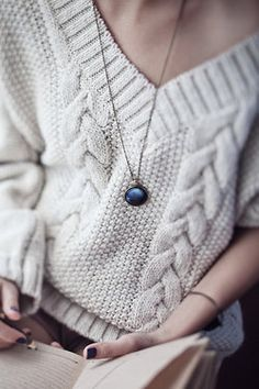 Chunky knit sweaters, dark nails, long necklace, hello Fall!