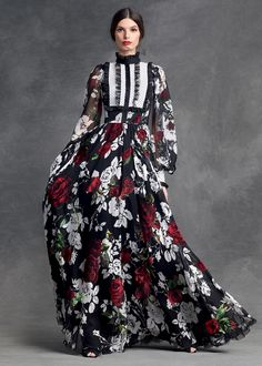 Dolce & Gabbana presents the Women's Clothing Collection for Winter 2016: shirts, denims, dresses, skirts, suits, blazers and more from the new Collection.