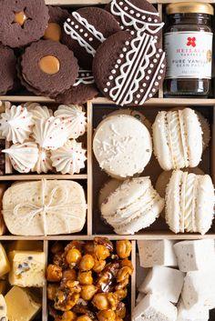 The Ultimate Vanilla Bean Christmas Treat Box — Cloudy Kitchen Christmas Food Treats, Christmas Cookies Gift, Christmas Desserts, Holiday Treats, Holiday Recipes, Cookie Box, Cookie Gifts, Holiday Baking, Christmas Baking
