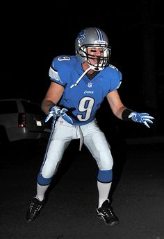 "Tim Allen -- Anyone who was a fan of ""Home Improvement"" knows Tim Allen is a big fan of the Detroit Lions, which is why we weren't surprised to see him dress up as one of their players. (10/26/13) Credit: Splash News"