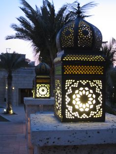 Dubai - Street Lanterns