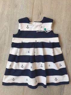 Ein kurzen Kleidchen aus Jersey.