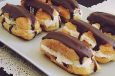 m.bucataras.ro Sweets Recipes, Mexican Food Recipes, Cake Recipes, Romanian Food, French Desserts, Eclairs, Cake Servings, Recipes From Heaven, Sweet Cakes