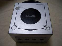 B689 Nintendo Gamecube console Silver Japan GC - http://video-games.goshoppins.com/video-game-consoles/b689-nintendo-gamecube-console-silver-japan-gc/