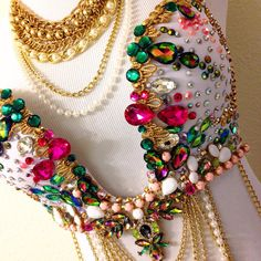Green Pink & Gold Gemstone Plunge Bra by TheLoveShackk on Etsy Carnival Outfits, Carnival Costumes, Carnival Ideas, Festival Outfits, Festival Fashion, Samba Costume, Diy Bra, Rave Costumes, Rave Festival