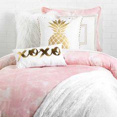 Xoxo pillow bedroom decor for teen girls, teen bedroom, teen room Teenage Girl Bedrooms, Teen Bedroom, Dream Bedroom, Apartment Bedroom Decor, Room Decor Bedroom, Diy Bedroom, Bedroom Furniture, Bedroom Ideas, Cozy Home Decorating