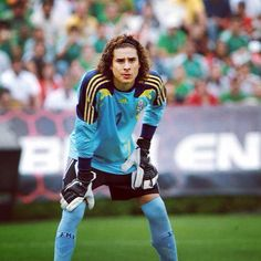 The Mexican goalie is attractive . FIFA World Cup 2014 Mexico Soccer, Soccer Stars, Sports Art, Pretty And Cute, Goalkeeper, Fifa World Cup, Soccer Players, Football, Guys