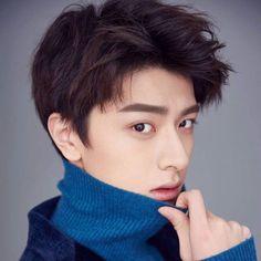 Medium Tv Series, Beautiful Boys, Beautiful Hands, Korea Boy, Teen Celebrities, Boys Over Flowers, Chinese Boy, Asian Actors, Handsome Boys