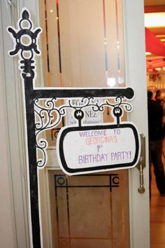 Poodle in Paris themed birthday party -The welcome sign