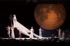 Cloud Gate Dance Theatre of Taiwan in Nine Songs.© LCSD Hong Kong. (Click image for larger version)
