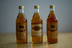 Bar Drinks, Alcoholic Drinks, Beverages, Finland, Vodka Bottle, Food And Drink, How To Make, Bar Stuff, Bottles
