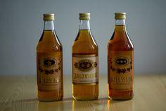 Yhden, kahden, ja kolmen tähden Jaloviina - Ädelbrännvin - Lue lisää Jaloviinasta: http://fi.wikipedia.org/wiki/Jaloviina #Jallu #viina #alkoholi #mainos