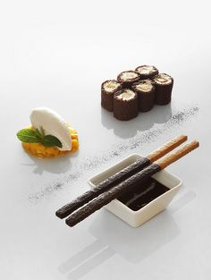 Stylish desserts by the Chef Jérôme Manifacier and the Pastry Chef Emmanuel Lebled for the restaurant of the hotel de la Paix in Geneva