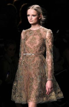 I LOOOOOOVE THIS!!!!  Spring 2011 Paris Fashion Week: Valentino