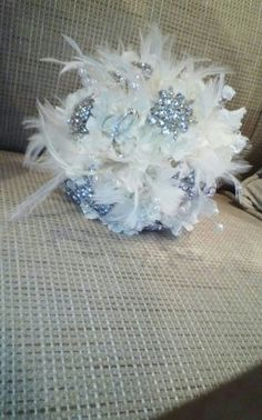 vintage wedding with feathers idea | My DIY Bling, brooch and feather bouquet | Weddingbee DIY Projects
