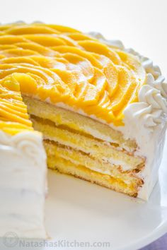 This mango cake is bursting with fresh mango flavor! An impressive, show-stopping mango cake recipe with only 9 ingredients. It is surprisingly simple. Mango Cupcakes, Mango Mousse Cake, Mango Cake, Mango Desserts, Just Desserts, Banana Recipes, Cake Recipes, Pecan Cake, Bowl Cake